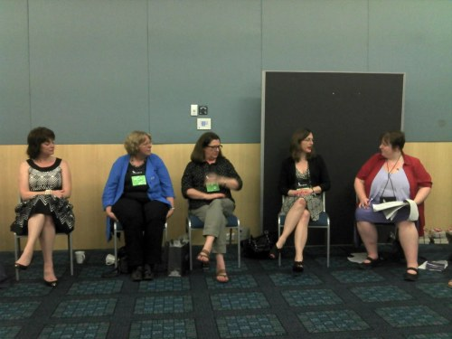 Kristan Higgins, Bronwyn Parry, Jennifer Brassel, Hope Tarr and moderator Melanie McMillan - Authors as Readers session